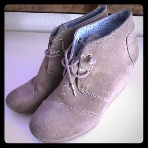 Toms Black and/or Tan Desert Wedges Booties Size 8
